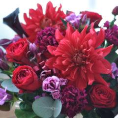 赤いダリアと赤い薔薇