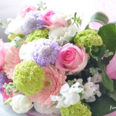 ピンク系バラと季節の花のハナタバ